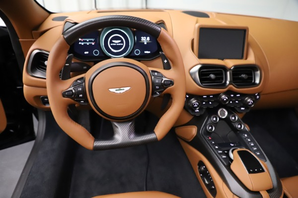New 2021 Aston Martin Vantage Roadster Convertible for sale $205,686 at Alfa Romeo of Greenwich in Greenwich CT 06830 17