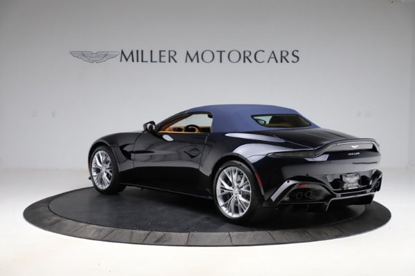 New 2021 Aston Martin Vantage Roadster Convertible for sale $205,686 at Alfa Romeo of Greenwich in Greenwich CT 06830 26
