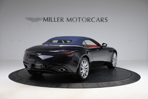 New 2021 Aston Martin DB11 Volante Convertible for sale $261,486 at Alfa Romeo of Greenwich in Greenwich CT 06830 28