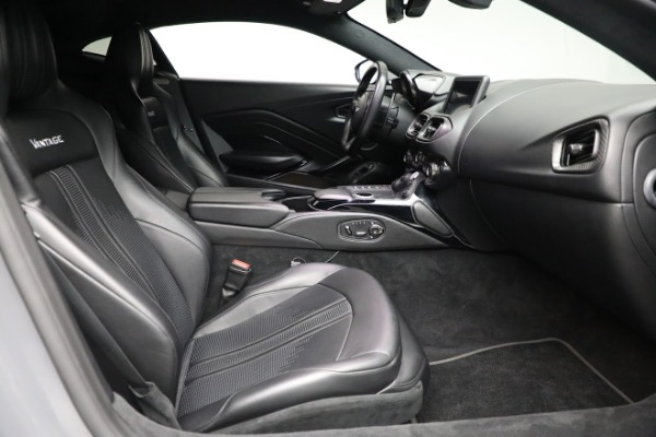 Used 2019 Aston Martin Vantage Coupe for sale $129,900 at Alfa Romeo of Greenwich in Greenwich CT 06830 17