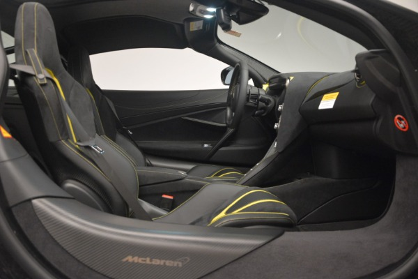 Used 2018 McLaren 720S Performance for sale $234,900 at Alfa Romeo of Greenwich in Greenwich CT 06830 22