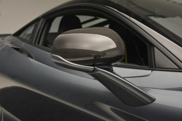 Used 2018 McLaren 720S Performance for sale $234,900 at Alfa Romeo of Greenwich in Greenwich CT 06830 25
