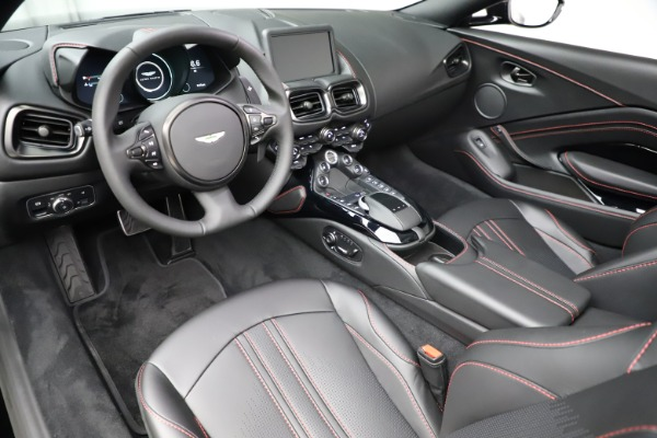New 2021 Aston Martin Vantage Roadster Convertible for sale $189,186 at Alfa Romeo of Greenwich in Greenwich CT 06830 13