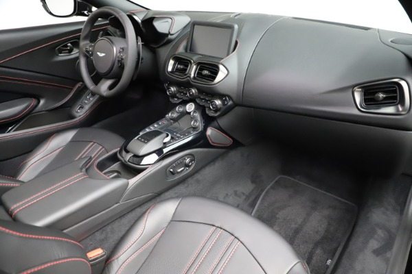 New 2021 Aston Martin Vantage Roadster Convertible for sale $189,186 at Alfa Romeo of Greenwich in Greenwich CT 06830 18