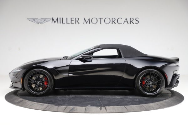New 2021 Aston Martin Vantage Roadster Convertible for sale $189,186 at Alfa Romeo of Greenwich in Greenwich CT 06830 28