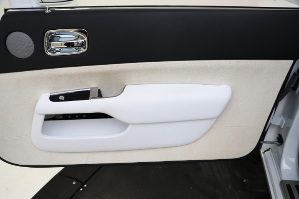 Used 2014 Rolls-Royce Wraith for sale Sold at Alfa Romeo of Greenwich in Greenwich CT 06830 25