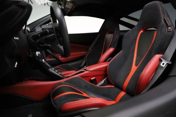 Used 2018 McLaren 720S Performance for sale $239,900 at Alfa Romeo of Greenwich in Greenwich CT 06830 18