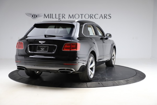 Used 2018 Bentley Bentayga W12 Signature for sale $154,900 at Alfa Romeo of Greenwich in Greenwich CT 06830 7