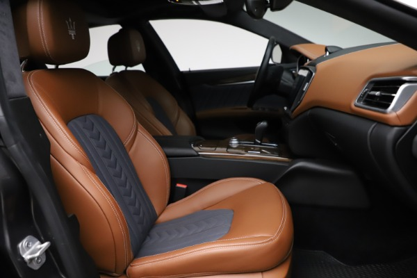 Used 2018 Maserati Ghibli SQ4 GranLusso for sale Call for price at Alfa Romeo of Greenwich in Greenwich CT 06830 22