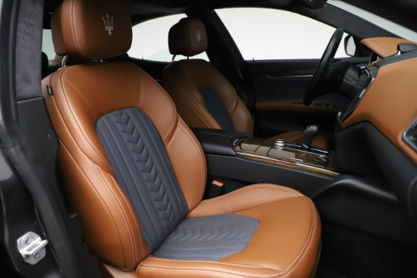 Used 2018 Maserati Ghibli SQ4 GranLusso for sale Call for price at Alfa Romeo of Greenwich in Greenwich CT 06830 23