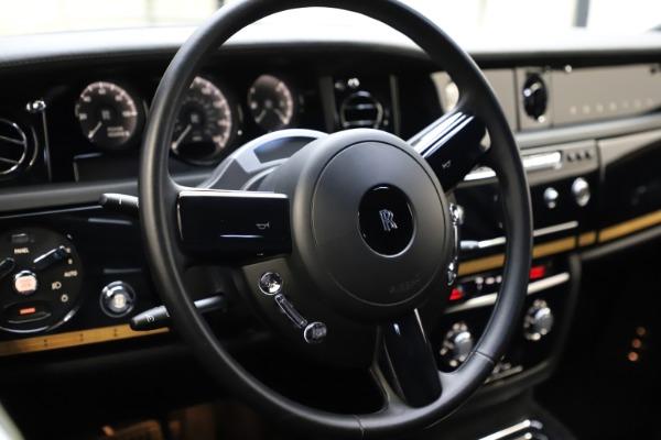 Used 2015 Rolls-Royce Phantom EWB for sale $299,900 at Alfa Romeo of Greenwich in Greenwich CT 06830 12