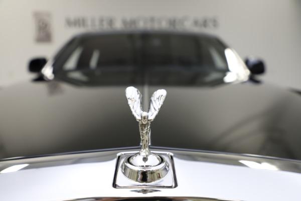 Used 2015 Rolls-Royce Phantom EWB for sale $299,900 at Alfa Romeo of Greenwich in Greenwich CT 06830 20