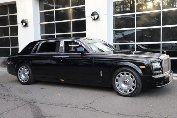 Used 2015 Rolls-Royce Phantom EWB for sale $289,900 at Alfa Romeo of Greenwich in Greenwich CT 06830 3