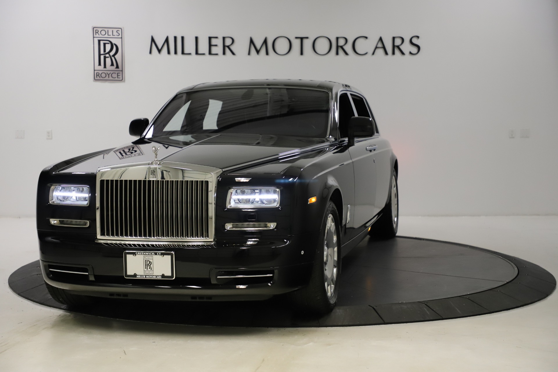 Used 2015 Rolls-Royce Phantom EWB for sale $289,900 at Alfa Romeo of Greenwich in Greenwich CT 06830 1