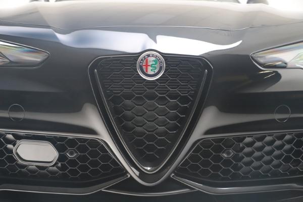 New 2021 Alfa Romeo Giulia Ti Sport Q4 for sale $56,300 at Alfa Romeo of Greenwich in Greenwich CT 06830 13