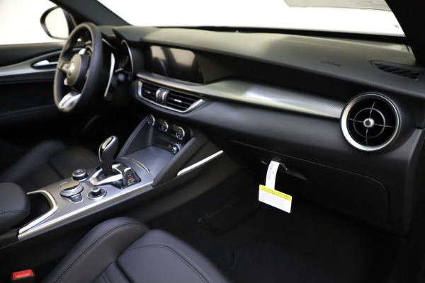 New 2021 Alfa Romeo Stelvio Ti Sport Q4 for sale $56,750 at Alfa Romeo of Greenwich in Greenwich CT 06830 22