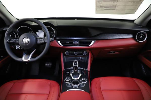 New 2021 Alfa Romeo Stelvio Q4 for sale $48,645 at Alfa Romeo of Greenwich in Greenwich CT 06830 15