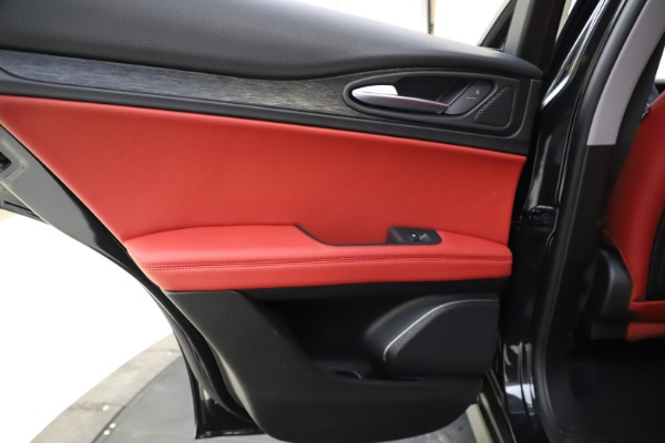 New 2021 Alfa Romeo Stelvio Q4 for sale $48,645 at Alfa Romeo of Greenwich in Greenwich CT 06830 20