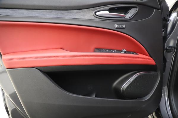 New 2021 Alfa Romeo Stelvio Q4 for sale $48,050 at Alfa Romeo of Greenwich in Greenwich CT 06830 17
