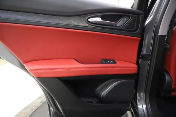 New 2021 Alfa Romeo Stelvio Q4 for sale $48,050 at Alfa Romeo of Greenwich in Greenwich CT 06830 21