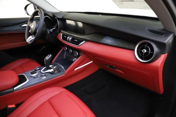 New 2021 Alfa Romeo Stelvio Q4 for sale $48,050 at Alfa Romeo of Greenwich in Greenwich CT 06830 22