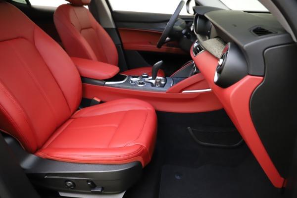 New 2021 Alfa Romeo Stelvio Q4 for sale $48,050 at Alfa Romeo of Greenwich in Greenwich CT 06830 24