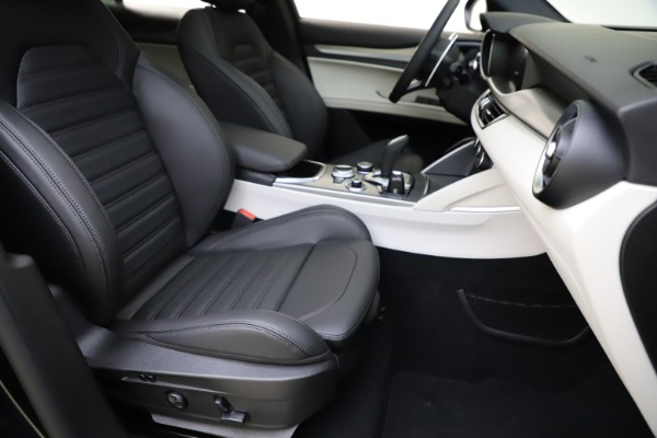 New 2021 Alfa Romeo Stelvio Ti Sport Q4 for sale $56,450 at Alfa Romeo of Greenwich in Greenwich CT 06830 24