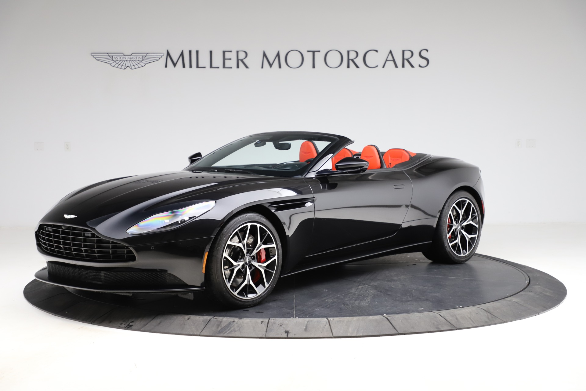 Used 2019 Aston Martin DB11 Volante Volante for sale $204,900 at Alfa Romeo of Greenwich in Greenwich CT 06830 1