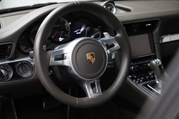 Used 2015 Porsche 911 Turbo for sale $109,900 at Alfa Romeo of Greenwich in Greenwich CT 06830 16