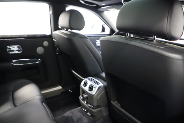Used 2016 Rolls-Royce Ghost for sale $165,900 at Alfa Romeo of Greenwich in Greenwich CT 06830 21
