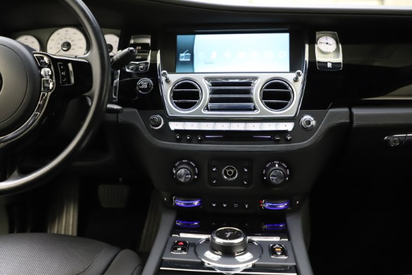 Used 2016 Rolls-Royce Ghost for sale $165,900 at Alfa Romeo of Greenwich in Greenwich CT 06830 26