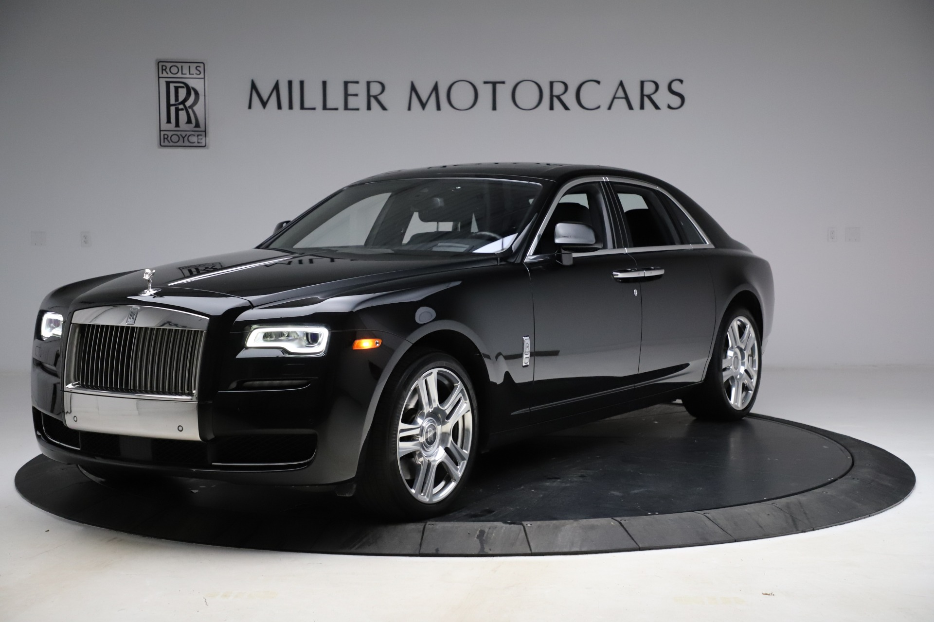 Used 2016 Rolls-Royce Ghost for sale $165,900 at Alfa Romeo of Greenwich in Greenwich CT 06830 1