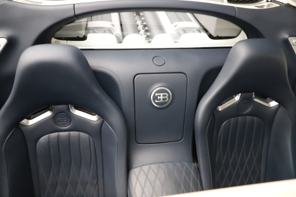 Used 2010 Bugatti Veyron 16.4 Grand Sport for sale Call for price at Alfa Romeo of Greenwich in Greenwich CT 06830 28