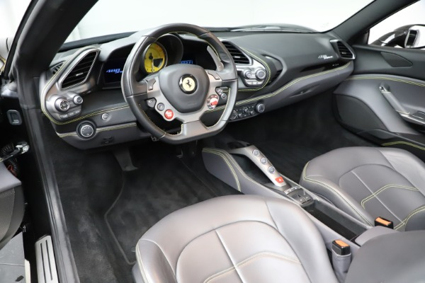 Used 2017 Ferrari 488 Spider for sale $284,900 at Alfa Romeo of Greenwich in Greenwich CT 06830 25