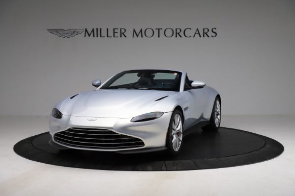 New 2021 Aston Martin Vantage Roadster for sale $184,286 at Alfa Romeo of Greenwich in Greenwich CT 06830 12