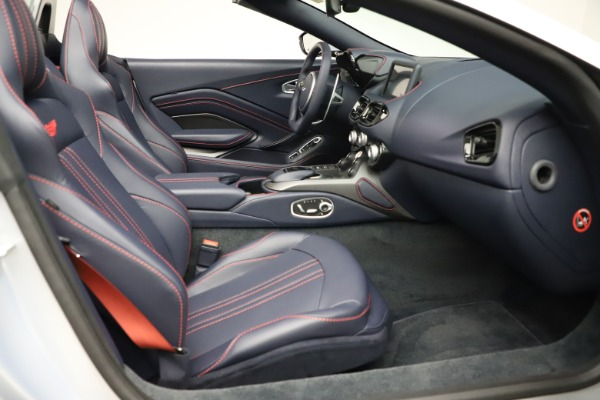 New 2021 Aston Martin Vantage Roadster for sale $184,286 at Alfa Romeo of Greenwich in Greenwich CT 06830 19