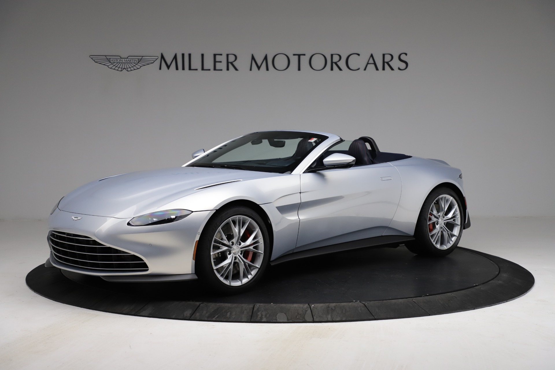 New 2021 Aston Martin Vantage Roadster for sale $184,286 at Alfa Romeo of Greenwich in Greenwich CT 06830 1