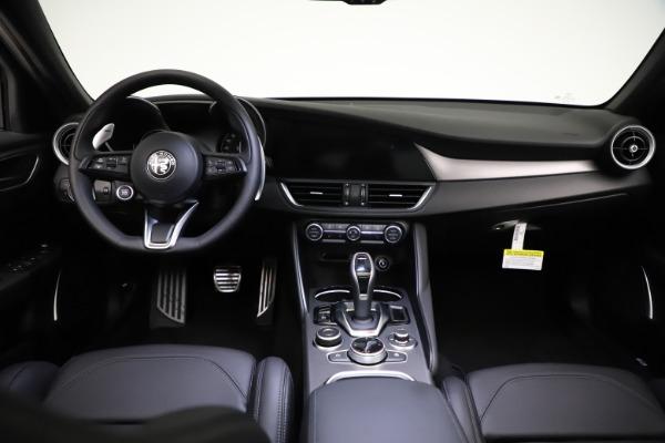 New 2021 Alfa Romeo Giulia Ti Sport Q4 for sale $53,850 at Alfa Romeo of Greenwich in Greenwich CT 06830 17
