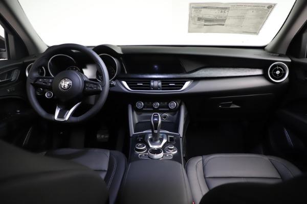 New 2021 Alfa Romeo Stelvio Q4 for sale $50,535 at Alfa Romeo of Greenwich in Greenwich CT 06830 17