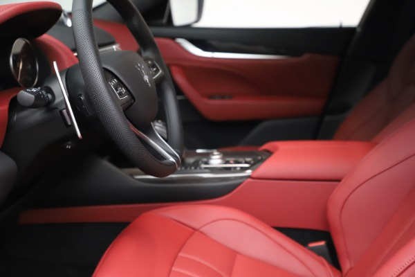 New 2021 Maserati Levante S Q4 GranSport for sale $105,835 at Alfa Romeo of Greenwich in Greenwich CT 06830 15