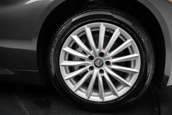 New 2021 Alfa Romeo Giulia Q4 for sale $46,895 at Alfa Romeo of Greenwich in Greenwich CT 06830 25