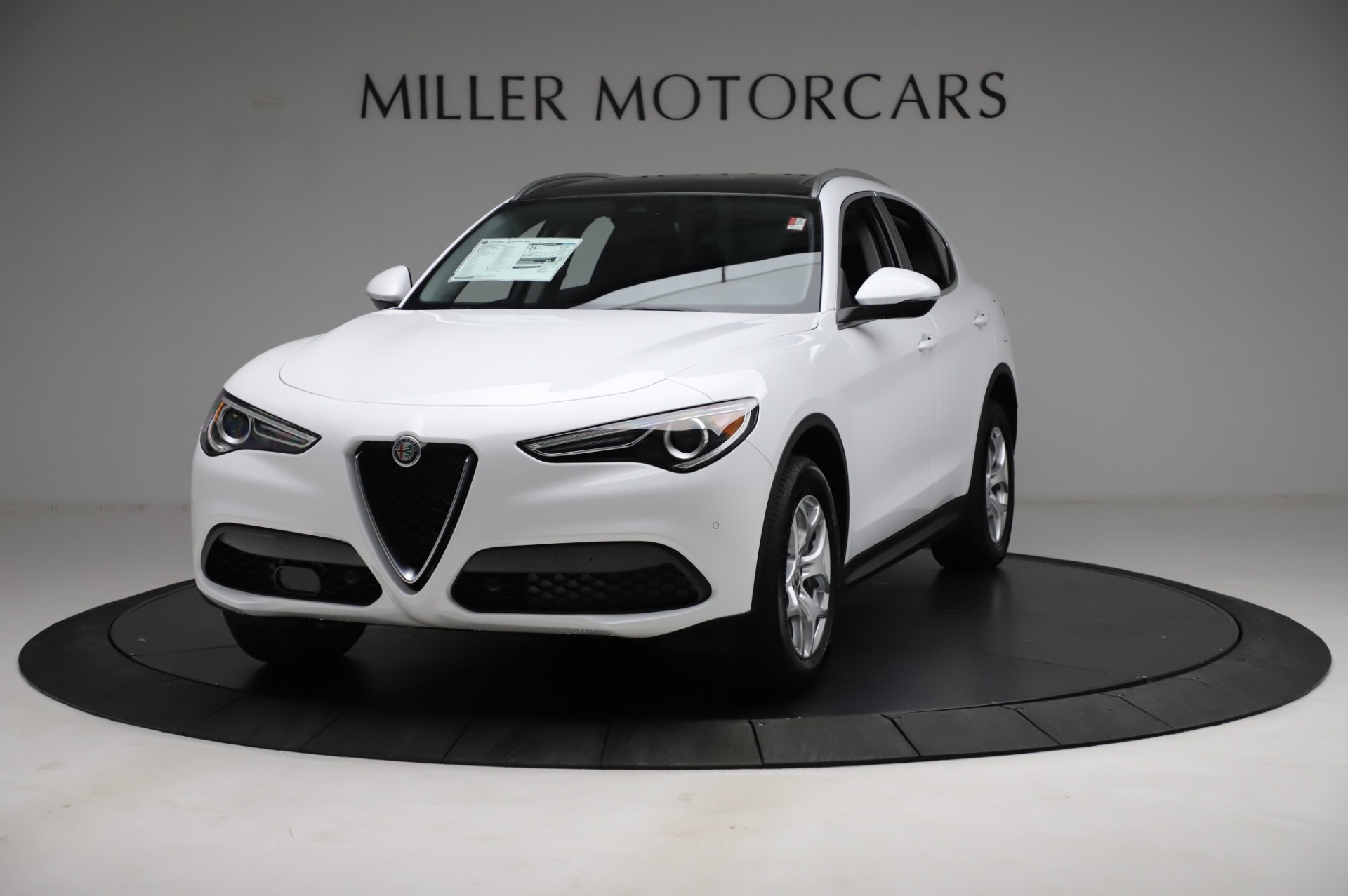 New 2021 Alfa Romeo Stelvio Q4 for sale $49,185 at Alfa Romeo of Greenwich in Greenwich CT 06830 1