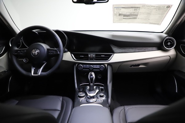 New 2021 Alfa Romeo Giulia Q4 for sale $46,895 at Alfa Romeo of Greenwich in Greenwich CT 06830 16