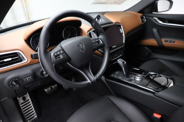 New 2021 Maserati Ghibli S Q4 for sale $90,525 at Alfa Romeo of Greenwich in Greenwich CT 06830 13