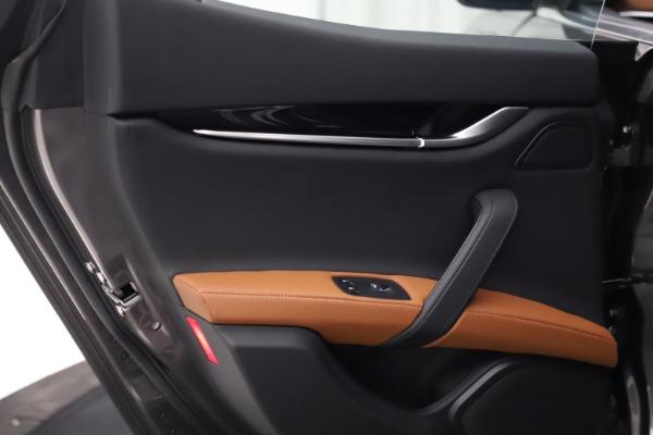 New 2021 Maserati Ghibli S Q4 for sale $90,525 at Alfa Romeo of Greenwich in Greenwich CT 06830 21