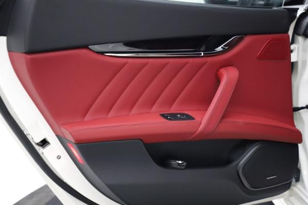 New 2021 Maserati Quattroporte S Q4 GranLusso for sale $122,349 at Alfa Romeo of Greenwich in Greenwich CT 06830 19