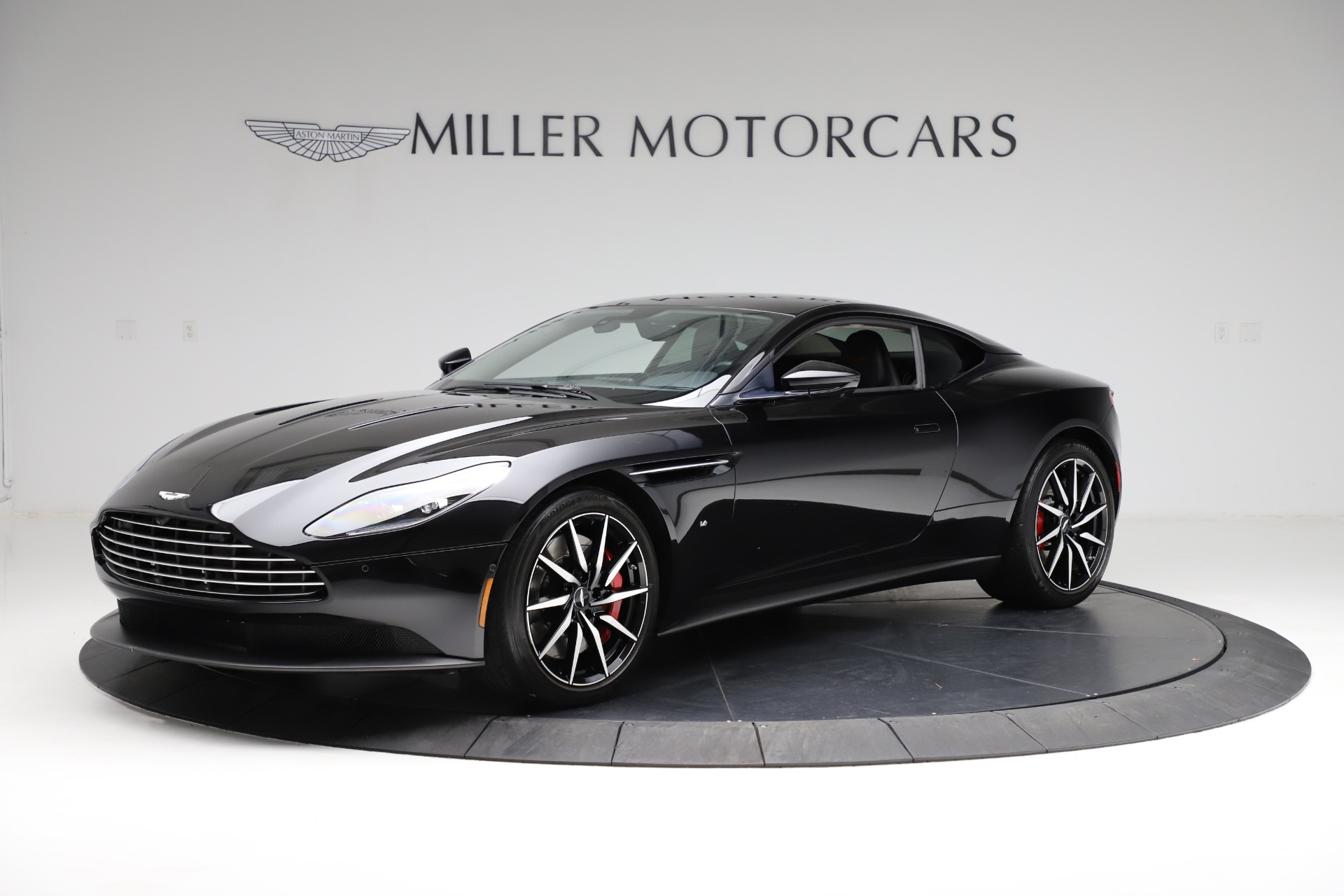 Used 2018 Aston Martin DB11 V12 for sale $159,990 at Alfa Romeo of Greenwich in Greenwich CT 06830 1