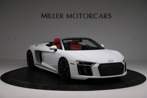Used 2018 Audi R8 Spyder for sale $154,900 at Alfa Romeo of Greenwich in Greenwich CT 06830 11