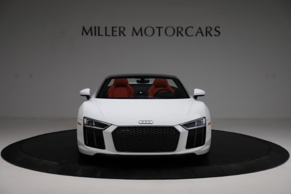 Used 2018 Audi R8 Spyder for sale $154,900 at Alfa Romeo of Greenwich in Greenwich CT 06830 12