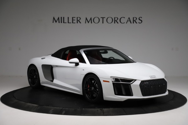 Used 2018 Audi R8 Spyder for sale $154,900 at Alfa Romeo of Greenwich in Greenwich CT 06830 14